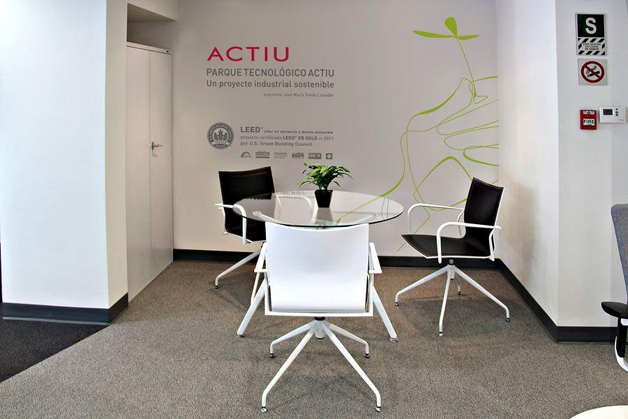 Actiu & Decorlux together in a new showroom for the peruvian market 6