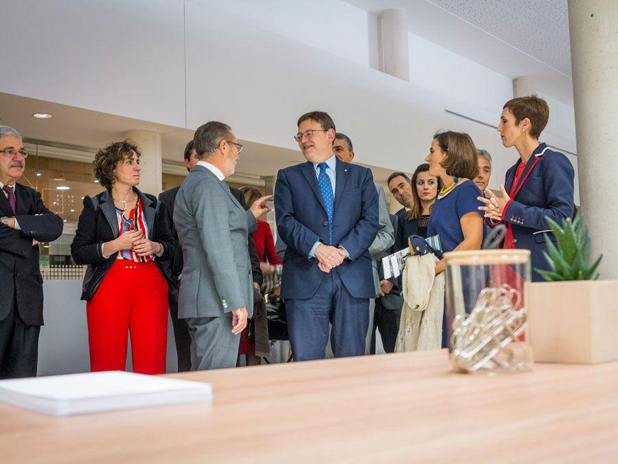 Actiu hosts a meeting between a hundred entrepreneurs and president of the Valencian government 8