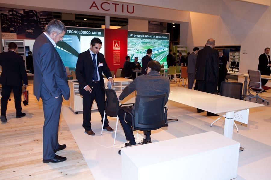 ACTIU attracted more than 1000 professionals from the sector interested in knowing the new solutions for work spaces to Ofitec 1