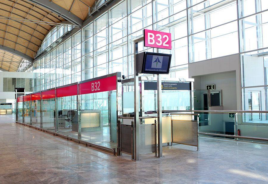 Actiu furnishes the new airport in Alicante 5