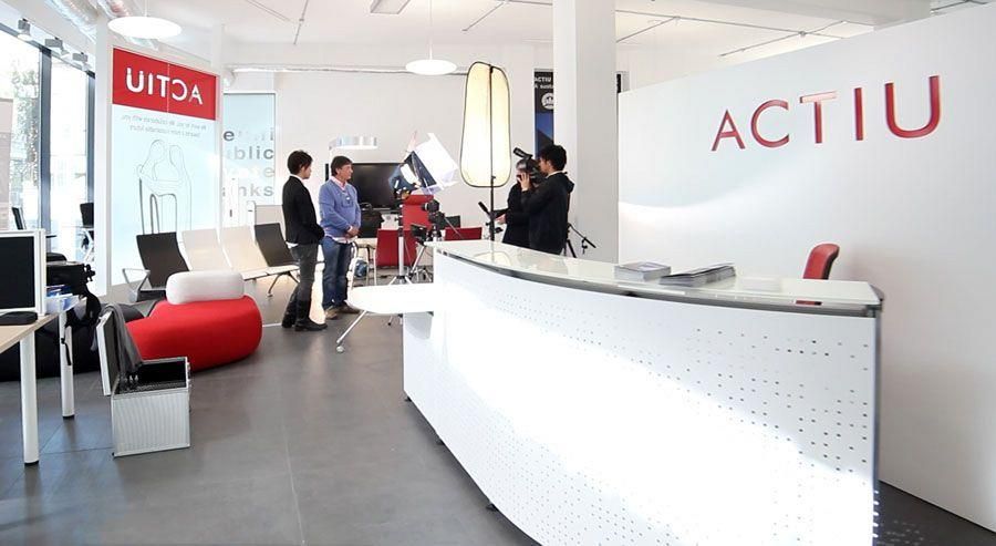 Actiu London Showroom stages solidarity against childhood leukemia 1