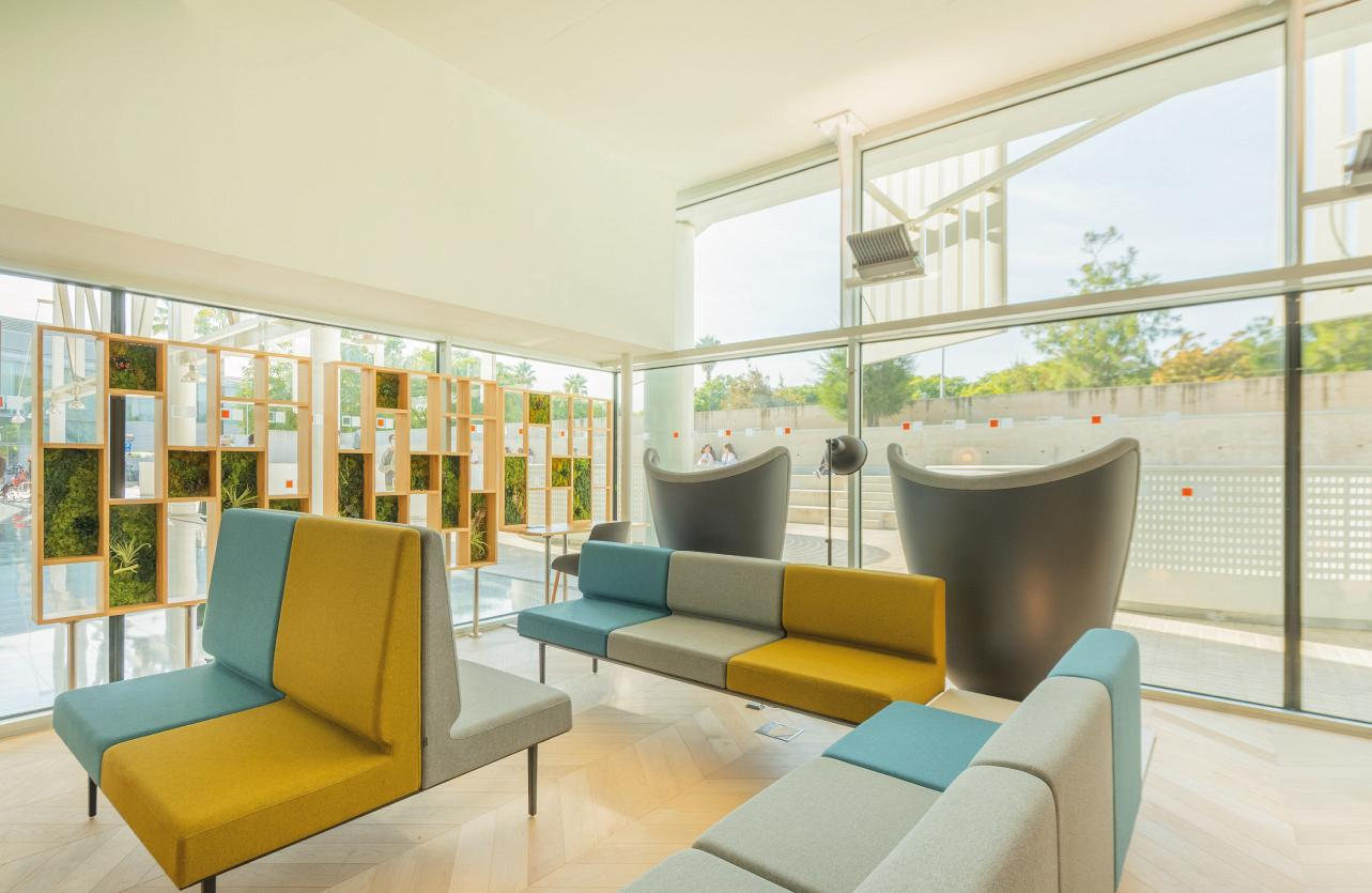 Therapeutic spaces, when the design of the hospital environment acts as a third caregiver 1