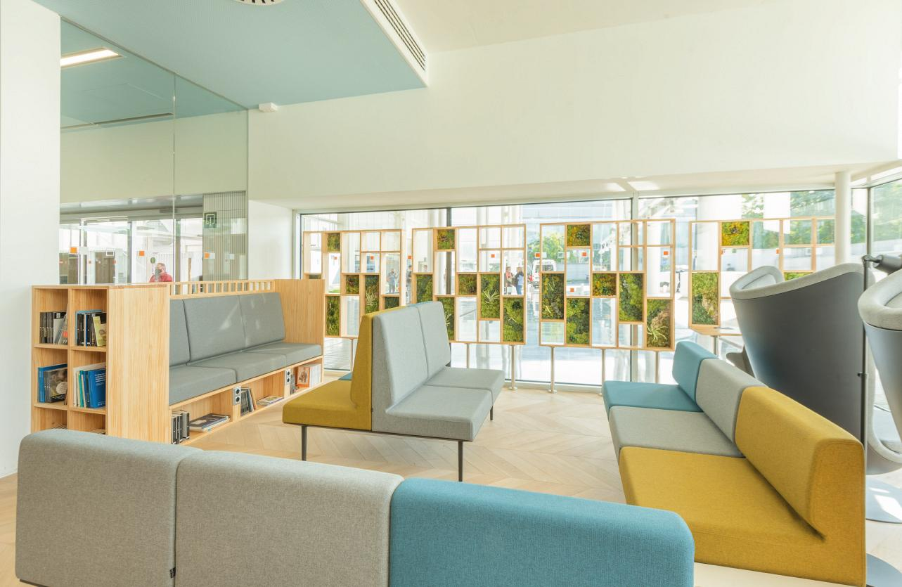 Therapeutic spaces, when the design of the hospital environment acts as a third caregiver 2